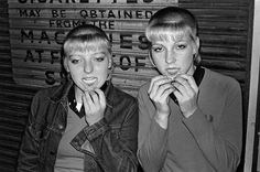 Dawn (L) and Becky, photographed in Putney Railway Station, 1980.  Photograph: Derek Ridgers