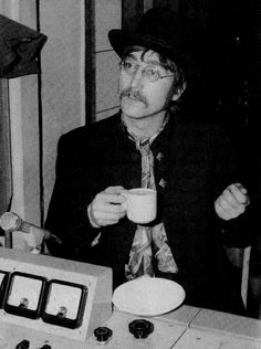 John Lennon having a cup of tea Retronaut | Retronaut - See the past like you wouldn't believe.