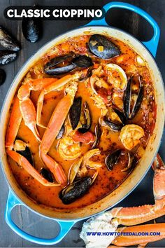 Classic Cioppino (San Francisco-Style Seafood Stew) Classic Cioppino is an amazing Italian-American seafood stew made famous in San Francisco. Surprisingly easy to make, this is just amazing! Fish Recipes, Seafood Recipes, Cooking Recipes, Healthy Recipes, Oven Recipes, Meal Recipes, Family Recipes, Holiday Recipes, Salad Recipes