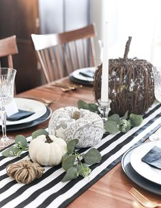 Thanksgiving Dining Room - It All Started With Paint Fall Table Centerpieces, Thanksgiving Centerpieces, Hosting Thanksgiving, Thanksgiving Celebration, Harvest Decorations, Table Decorations, Led Diy, Autumn Inspiration, Cozy House