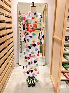 大塚呉服店 ルミネ新宿店(@otsuka_sh)さん | Twitter Japanese Outfits, Japanese Fashion, Japanese Clothing, Traditional Kimono, Traditional Outfits, Traditional Japanese, Japanese Geisha, Japanese Kimono, Yukata