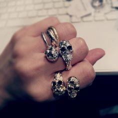 Skull ring .