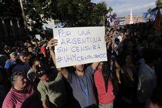Creen que #Periodista #VíctorHugoMorales #Despedido por apoyar a #CristinaKirshner #TNxDE - http://a.tunx.co/Dm4y3