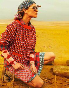 Vogue Paris, where Erin Wasson explores the Nazca desert. Shot by peruvian fashion photography master Mario Testino and styled by Anastasia Barbieri.