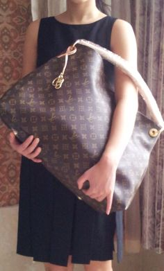 Louis Vuitton Artsy Bags A Classic over sized handbag #loveourworkhandbags