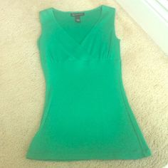 Kelly green Inc top Cute little top for under a business suit or on its own! Great color. New condition INC International Concepts Tops Tank Tops