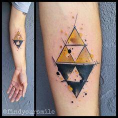 Tatuagem Zelda | Triforce em Aquarela no Braço