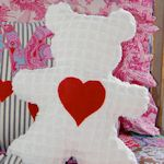Large number of free sewing patterns and tutorials for stuffies and lovies