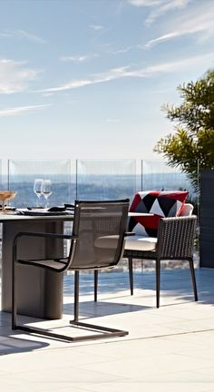 Palazzo brings ordered luxury and purity of line to your outdoor dining tableau. Modern Outdoor Living, Outdoor Dining, Outdoor Decor, Woven Chair, Cushion Fabric, Palazzo, Outdoor Furniture Sets, Homes, Luxury