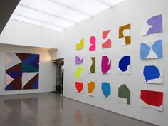 After spending six years in Chelsea, the Independent Art Fair has found a new home in Tribeca, in the incredibly sleek Spring Studios, usually host to fashion-related events. Painting Patterns, Painting Prints, Hard Edge Painting, Create And Craft, Paintings I Love, Art Party, Art Fair, Abstract Canvas, Art Techniques