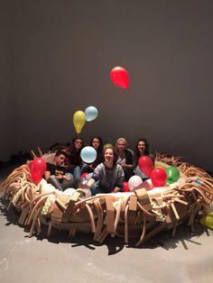"""""""Di una nuvola fai cuscino"""", installazione liceo artistico Depero Rovereto al Carnevale dei ragazzi, Biennale di Venezia"""