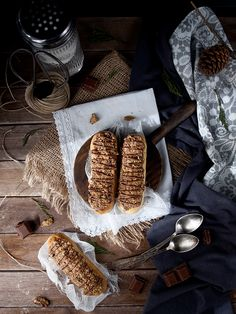 ¡Bomba: Éclairs de chocolate, crema y galletas!