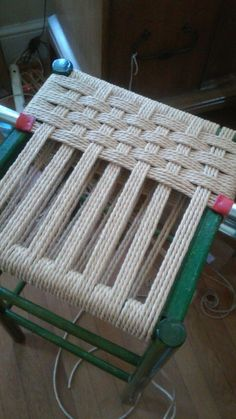 Furniture Projects, Furniture Makeover, Diy Furniture, Chair Repair, Macrame Chairs, Woven Chair, Reupholster Furniture, Diy Chair, Furniture Restoration