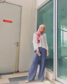 Palazzo yang menampakkan i tinggi AHAHAHA 🤪 tq @battle_shop 💙 . #giftreviewbylynn #giftreviewmalaysia Palazzo, Battle, Normcore, Ootd, Casual, Outfits, Shopping, Instagram, Fashion
