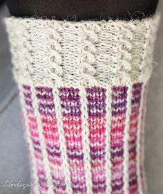 Silmukanjuoksuja: Rivinousua violetilla Wool Socks, Knitting Socks, Crochet Chart, Knit Crochet, Mitten Gloves, Mittens, Love Knitting Patterns, Yarn Crafts, Sewing