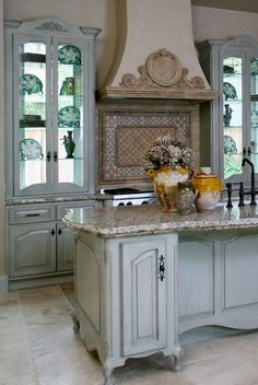 66 Amazing Rustic French Country Cottage Kitchen Ideas - Have Fun Decor Rustic French Country, French Country Kitchens, French Country House, French Country Decorating, Country Farmhouse, Modern Country, French Decor, French Country Kitchen With Island, French Kitchen Decor
