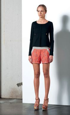 Look 42 . 545 Giacca / Jacket . 414 Short . 205P Scarpa / Shoes