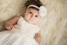 Opaska biała duży kwiat - Ubranka na chrzest - Abrakadabra Sklep