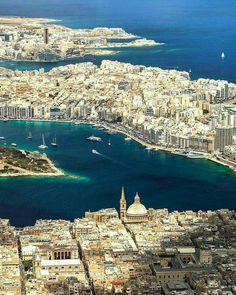 "5,095 To se mi líbí, 34 komentářů – LoveMalta (@lovemalta) na Instagramu: ""A bird view of Valletta, Manoel Island, Sliema and St.Julian's, Malta. Featured Artist: @machbel"""