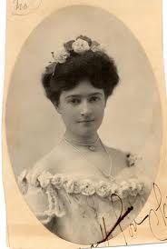 7deee11097b2 Clara Driscoll was director of the Tiffany Studios  Women s Glass Cutting  Department