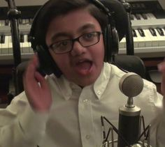 This 12-year-old ‪#‎SparshShah‬ ‪#‎sings‬ the best cover of ‪#‎Eminem‬'s 'Not Afraid' sitting in his ‪#‎wheelchair‬.. That Did Not Break His ‪#‎Spirit‬.