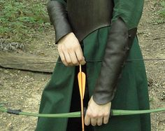 Brassards de Tauriel, cuir Elven Forêt Noire protège-bras - Womens