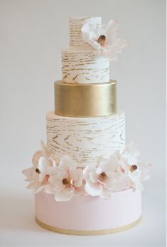 Gold woodgrain wedding cake
