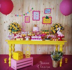 Créditos: @yanne.designer ateliedeideiaslocacoes Ideias para Festa Flamingo