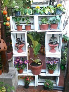 Mueble con cajones de tomates Decoratango