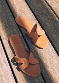 Stich leather sandals