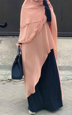 Hijab Gown, Hijab Style Dress, Casual Hijab Outfit, Hijab Chic, Islamic Fashion, Muslim Fashion, Modest Fashion, Fashion Dresses, Moda Hijab