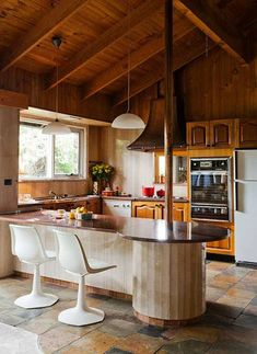 22 Marvelous Kitchen Decorating Ideas: Marvelous Vintage Stone Home Design With Cozy Vintage Interior