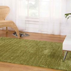 This captivating collection of rugs features contrasting colour shades and silky, soft textures. #Home #ModernRugs