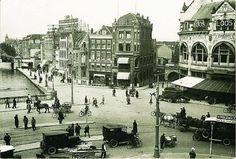 Het Hofplein in 1925 met rechts Station Hofplein van de ZHESM (Zuid-Hollandsche Electrische Spoorweg-Maatschappij) met grandcafé restaurant Loos. Rechts de Raampoortstraat (naast Loos). Links de Schiekade en de Schie.