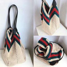 #crochet #crocheted #knitting # knittinglove #hekle #instacrochet #tığişi #instaknit #örgümodelleri #babyblanket #hook #yarn #virka #blanket #evdekor #düzenfikirleri #moda #bahçesüsü #ganchillo #szydelko #handmade #hakeln Crochet Bag Tutorials, Crochet Diy, Crochet World, Crochet Clutch, Crochet Handbags, Crochet Purses, Crochet Fashion, Diy Fashion, Crochet Stitches