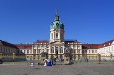 Schloss Charlottenburg in Berlin (photo by Times - Creative Commons Attribution-Share Alike 3.0 Unported license)