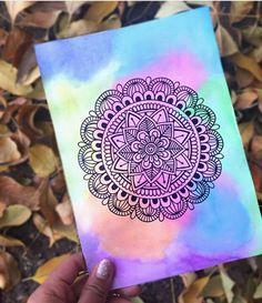 Easy Mandala Drawing, Mandala Doodle, Mandala Art Lesson, Doodle Art Drawing, Mandala Artwork, Cool Art Drawings, Dibujos Zentangle Art, Zentangles, Doodle Art Designs