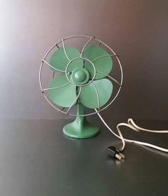 Electric desk fan. Art deco metal fan.