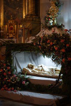 Grób Pański,Wielkanoc,dekoracje kościoła,Krzczonów