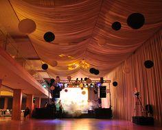 Agencia de organización de eventos corporativos Chandelier, Ceiling Lights, Home Decor, Corporate Events, Entertainment, Spaces, Candelabra, Decoration Home, Room Decor