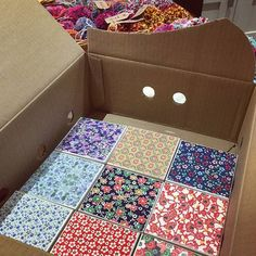 Packing up #crafted ceramic #tile coasters and #pompom goodies ready for the #makerhoodxmasshowcase in #brixton @diversegifts