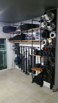 Four Tips for Studio Organization - Loveety Music Studio Room, Loft Studio, Film Studio, Dream Studio, Photography Studio Spaces, Photography Equipment, Studio Layout, Studio Equipment, Studio Organization