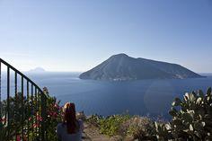 Isole #eolie: panorama da #Lipari #su #Salina Il blog tour #eolietour13 organizzato da Imperatore Travel alle Isole Eolie  #eolietour13 -> http://www.imperatoreblog.it/2013/09/06/eolie-blog-tour-2013/  Tour -> http://www.imperatore.it/Sicilia/Tour-Prestige-Isole-Eolie-6-Isole-in-8-Giorni-7-notti-partenze-di-sabato-estivo/