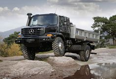 Finally found the perfect chassi/engine for our RV shell. The Mercedes Benz Zetros Mercedes Benz Zetros, Mercedes Benz Maybach, Mercedes Benz Trucks, Mercedes World, Truck Mechanic, Offroader, Cars Land, Futuristic Cars, Diesel Trucks