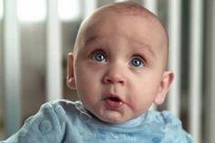 Těžká dřina: Podívejte se na roztomilé grimasy dětí na nočníku!