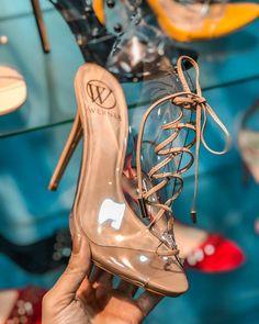 fbd20d454f Tendência Sapatos Verão 2019. Sandálias. Moda 2019. Verão. Moda feminina.  Sandálias