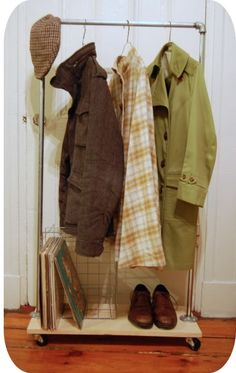 DIY Clothing Rack   http://doityourselfcollections.blogspot.com