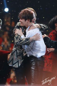 (BTS) V and (EXO) Baekhyun