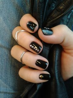 Simple Black Nail Art