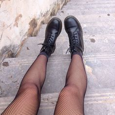 Doc Martens Outfit, Doc Martens Style, Doc Martens Boots, Grunge Outfits, Casual Outfits, Cute Outfits, Fashion Outfits, Womens Fashion, Fishnet Outfit